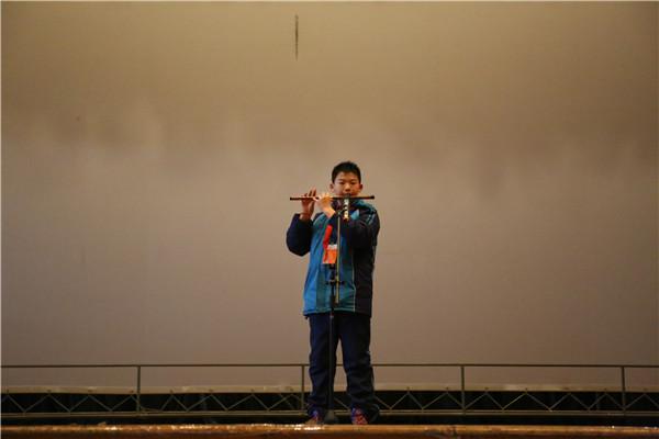 六营笛子独奏《春到湘江》-扬州树人学校