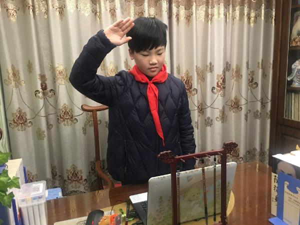 genianjixueshengzaijiaanshiguankanshengqiyishi (9).jpg