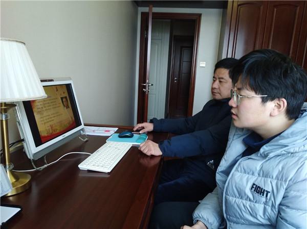6班楊智誠和家長共同參加會議.jpg